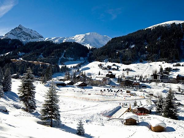 Gargellen_mit_Skischulplatz
